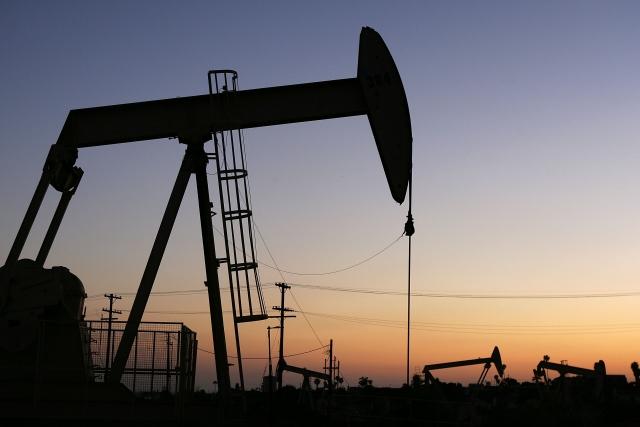 Россия и Саудовская Аравия продлят ограничения нефтедобычи до марта 2018 - ИА REGNUM