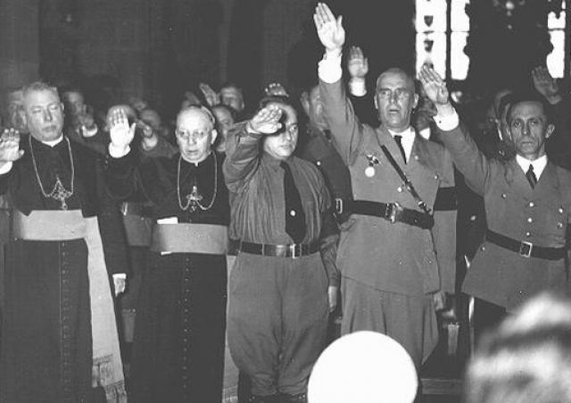 Заигрывание с антисоциалистами обернулось для Ватикана потаканием нацистам