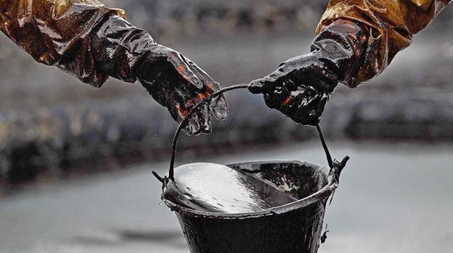 Россия планирует увеличить экспорт нефти в Беларусь