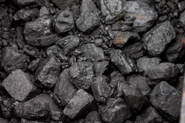 Лишь бы не из России: Украина хочет закупать уголь из Казахстана и США