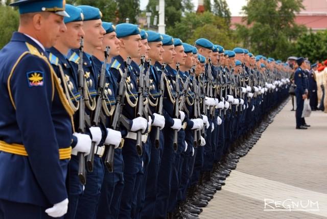Курсанты Вооруженных сил РФ