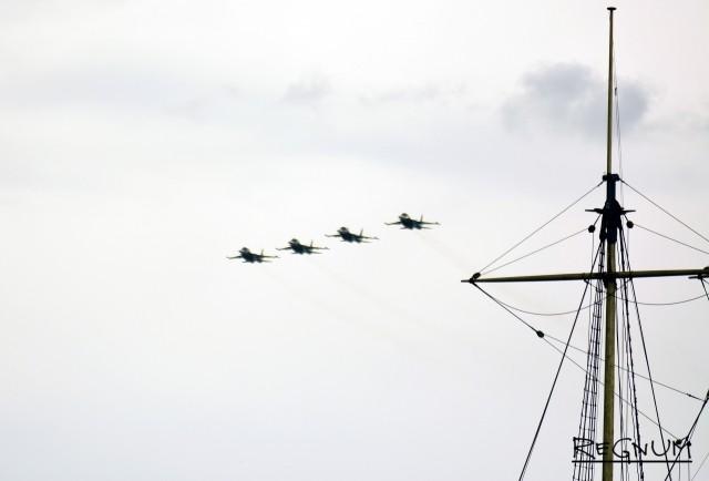 Пилотажная группа истребителей-бомбардировщиков Су-34 Западного военного округа