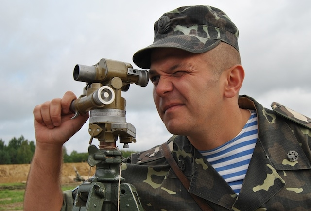 Военный Донбасс: ВСУ подтягивают тяжелые вооружения к линии фронта