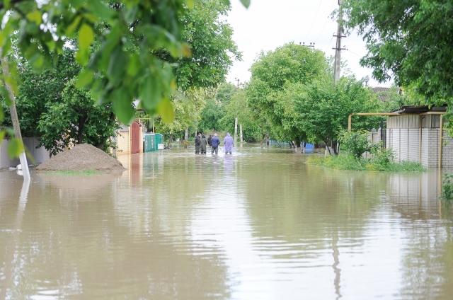 На Прикарпатті очікується різке погіршення погоди: можливі сильні зливи та підтоплення