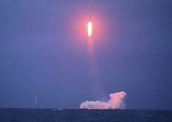 Пуск межконтинентальной баллистической ракеты