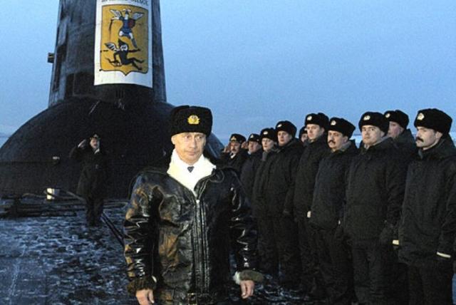 В. В. Путин на подводном ракетном крейсере «Архангельск»