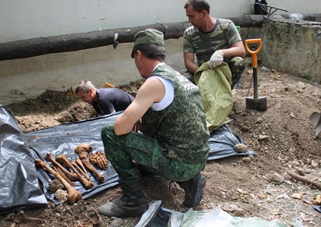 Раскопки. Найдены останки советских воинов
