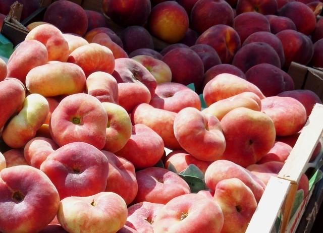 Кубань закрыла путь на прилавки зараженным персикам и перцу из Турции