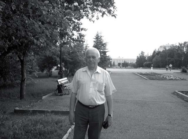 Юрий Калошин с 1 января 2013 года окончательно ушёл на пенсию