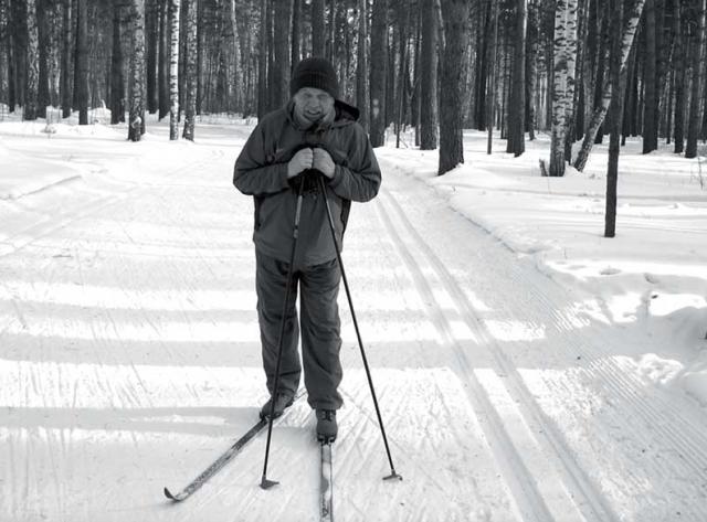 Юлий Калошин на лыжне в Барнауле