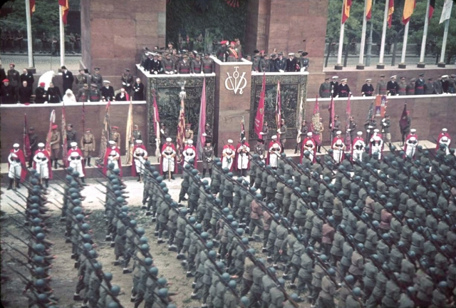 Парад франкистов в Испании