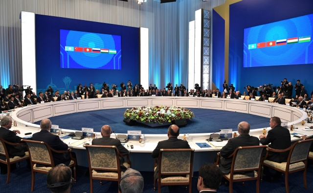 Саммит ШОС в Астане: «восьмерка» против «семерки»