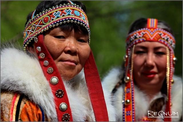 Представители нганасанского народа на празднике «Древо жизни»