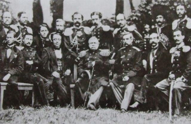 М.Н.Муравьев-Виленский (1796-1866) — в центре