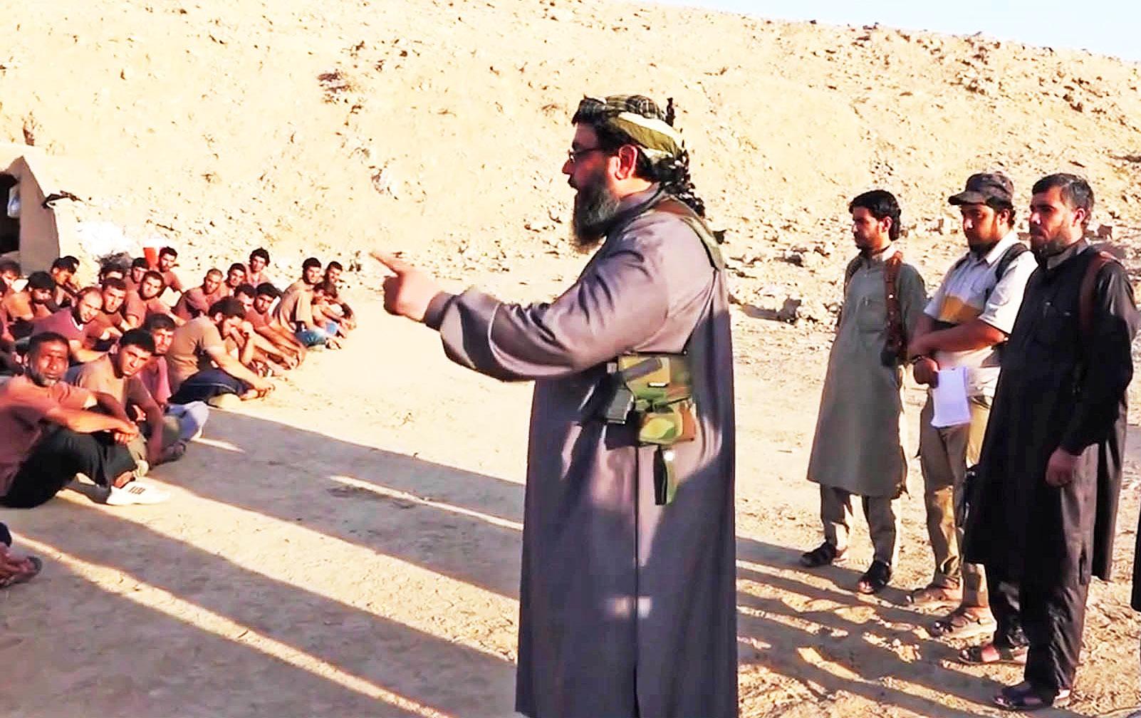 Исламисты-новобранцы в тренировочном лагере