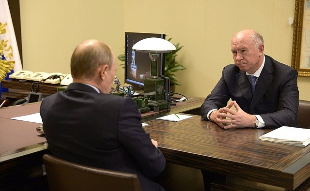 Путин проверит, как «губернатор Меркушкин лишает ветеранов льгот»