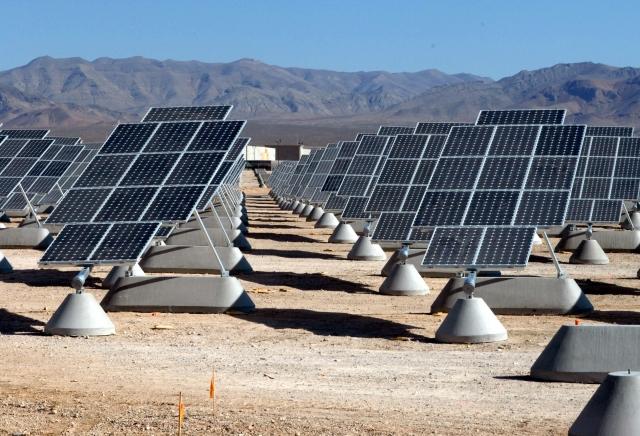 Солнечная электростанция в пустыне