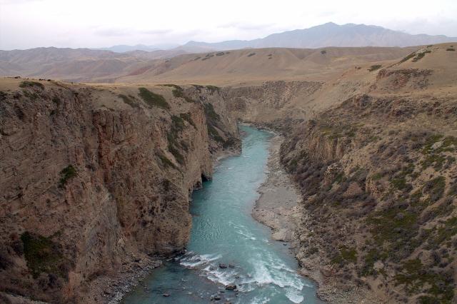 Створ плотины Акбулунской ГЭС, Киргизия