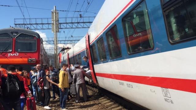 В Москве «Стриж» столкнулся с электричкой
