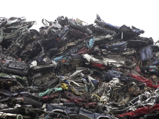 Кабмин Украины выделит $1,9 млн для решения вопроса со львовским мусором