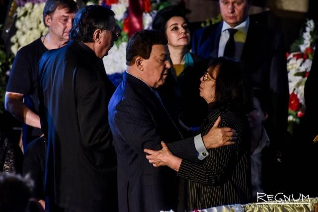 Иосиф Кобзон с супругой Алексея Баталова