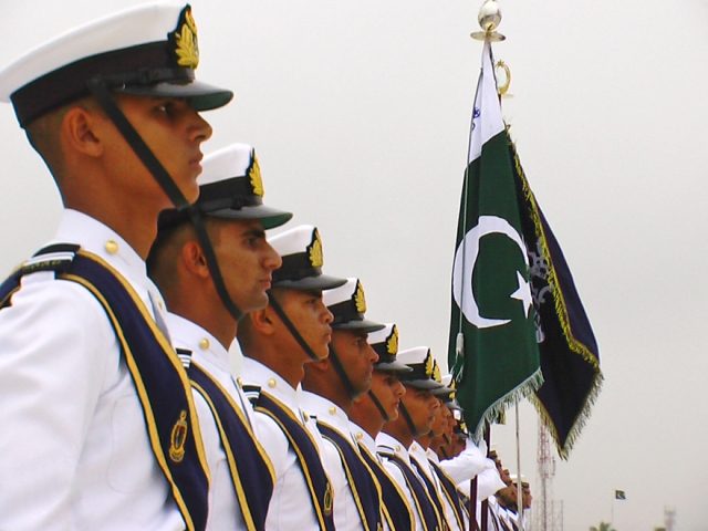 Военнослужащие ВМФ Пакистана попали в засаду, есть погибшие