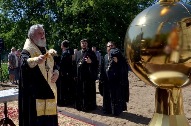 Единственный Морской собор ДФО увенчали золотым куполом на Камчатке