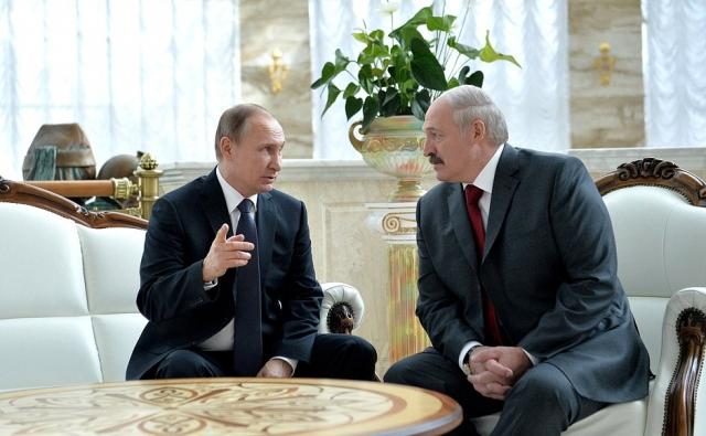 Путин поздравил президента Белоруссии с Днем независимости страны
