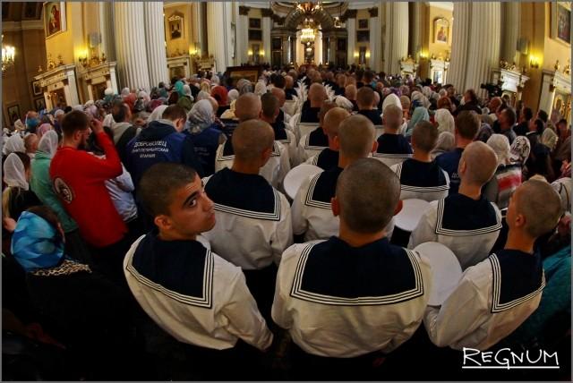 Курсанты-моряки стали гостями церемонии