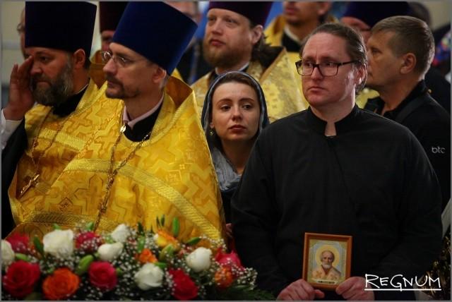 На церковной службе в честь встречи мощей Николая Чудотворца