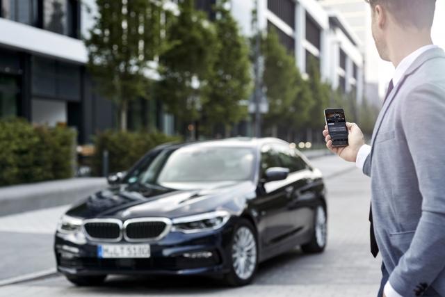 Skype в новом поколении BMW 5: нужно ли это водителям?