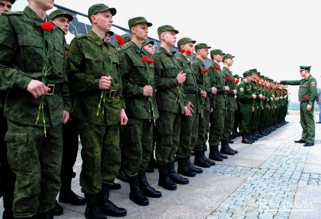 Из Нижнего Новгорода в армию отправлено почти 900 призывников