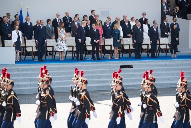 Трамп и Макрон на военном параде в Париже