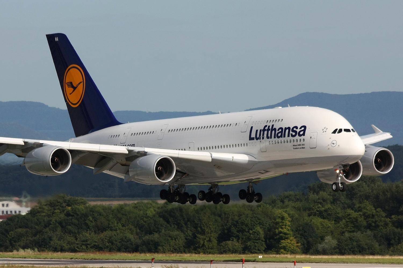 Самолет люфтганза фото