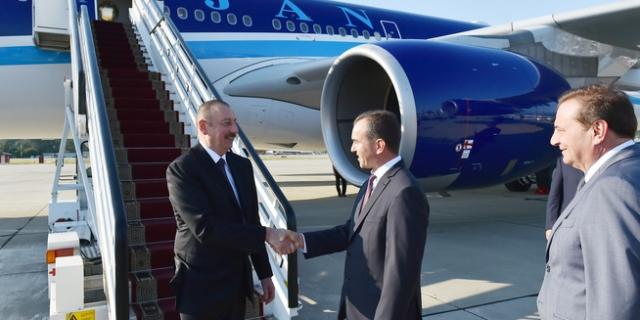 Ильхам Алиев прибывает в Сочи