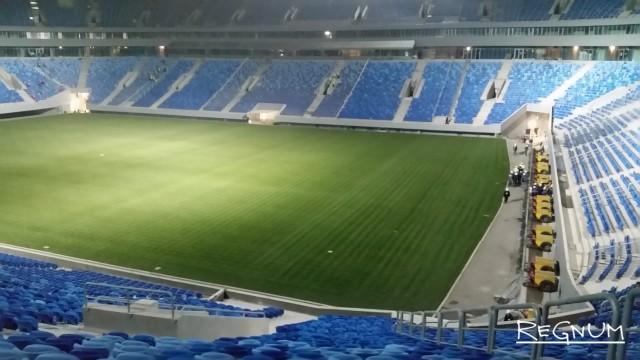 Дурная бесконечность на Крестовском: газон стадиона вновь надо менять
