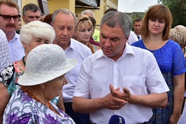 В Саратове Володин объяснил, как решить проблемы обманутых дольщиков