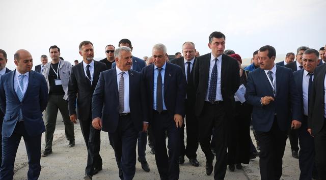 Встреча грузинской и турецкой делегаций в Карсе