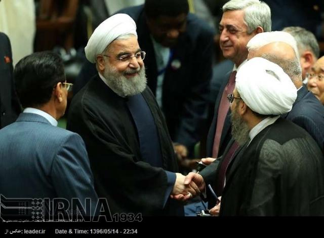 Почему на инаугурацию президента Ирана прилетел Саргсян и не прилетел Алиев