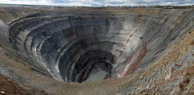 «Халатность тех, кто рулит свысока» — Якутия потрясена трагедией на шахте