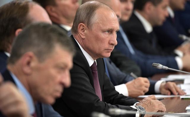 Красноярск планирует увеличить грантовые программы