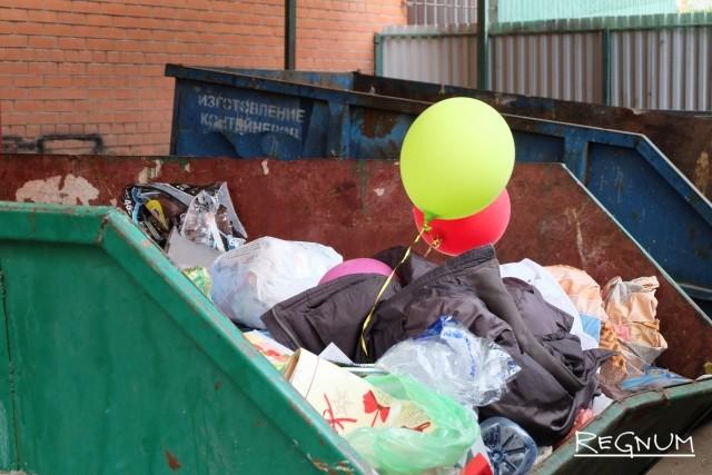 Власти Симферополя до сих пор не в состоянии организовать вывоз мусора