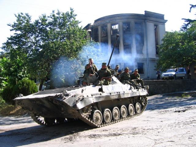 Российская БМП-2 58-й армии Северо-Кавказского военного округа в Южной Осетии во время войны в Южной Осетии 2008 года