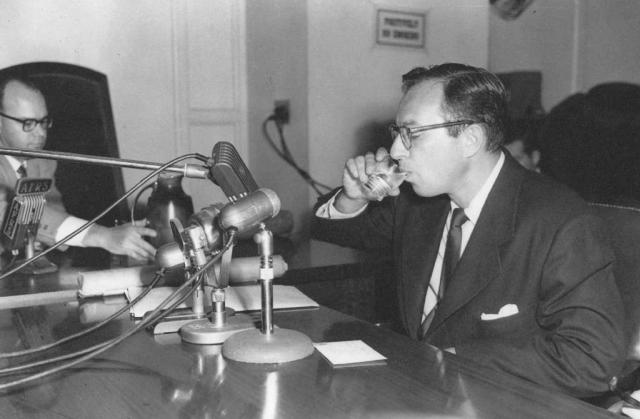 Сценарист Карл Форман даёт показания комиссии Конгресса, 1951 год