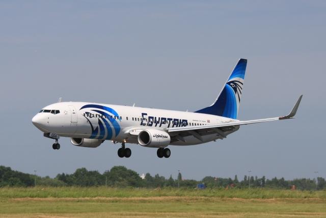 В аэропорту Каира совершил экстренную посадку самолет Egypt Air