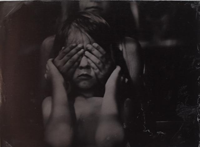 «Одна кровь»: внутренний мир семейных уз через фотографию