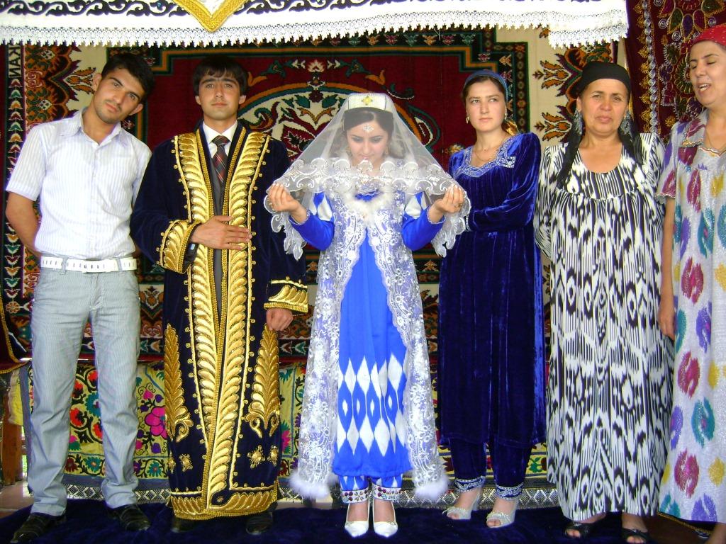 думаю можно фото свадеб в душанбе струящийся материал популярен