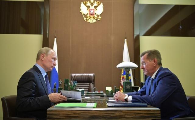 Зелёная папка от Путина: что ответил глава Астраханской области?