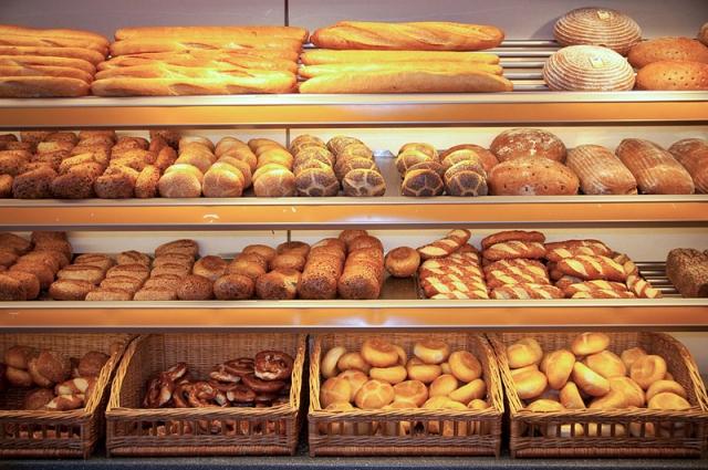 Калужане остались без хлеба по вечерам: виноваты новые правила продажи