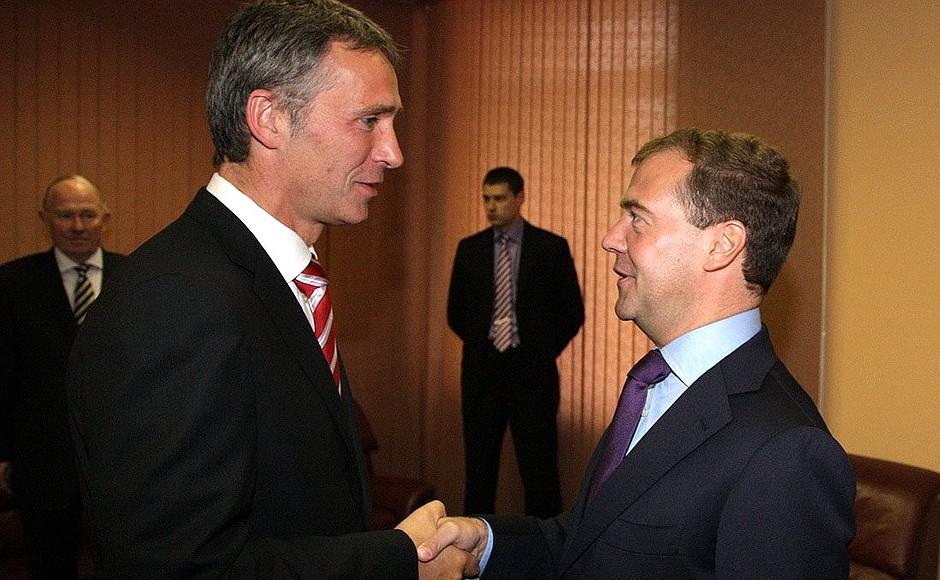 Дмитрий Медведев и Йенс Столтенберг. 2010